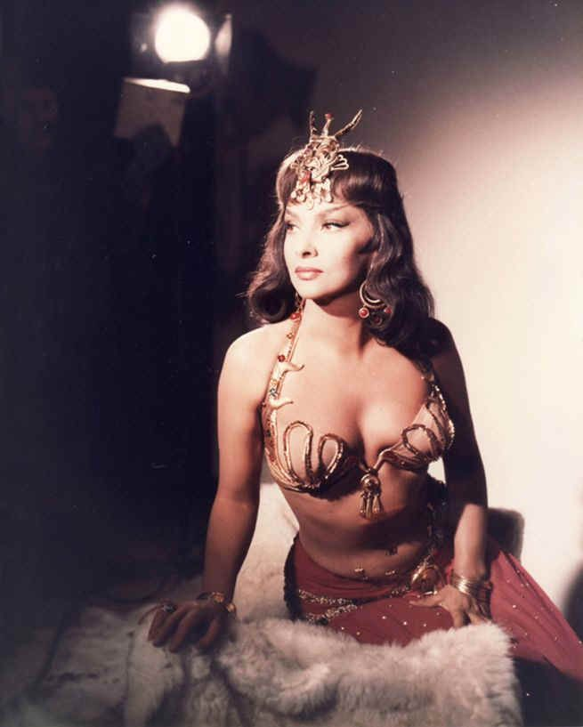 SOLOMON AND SHEBA (1960) - Yul Brynner - Gina Lollobrigida (pictured) - Directed by - United Artists - Publicity Still.