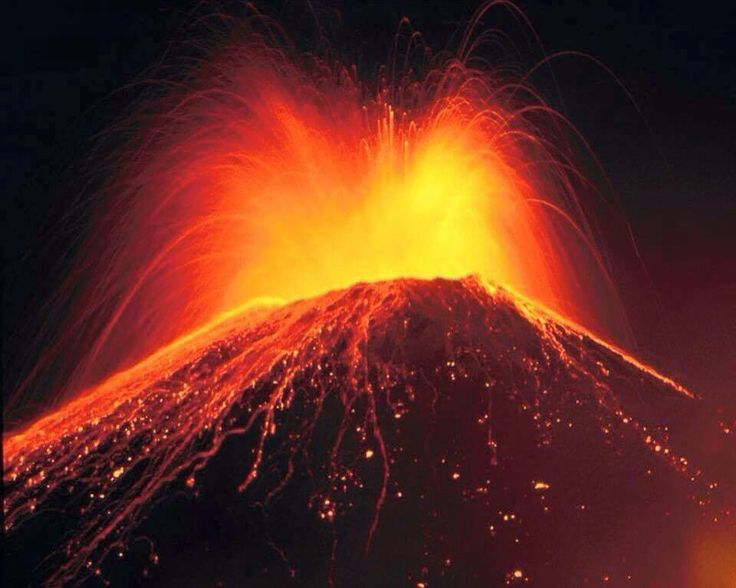 Erupción volcán Villarrica, Araucania, posted on 5/3/15.