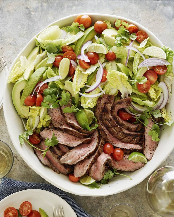 Guacamole Steak Salad