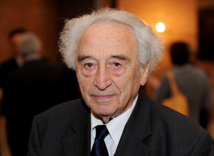 """Weißer Rabe:  Max Mannheimer, Jahrgang 1920, hat sich selbst einmal als """"weißen Raben"""" bezeichnet. Als Überlebender von Auschwitz sei er ein seltener Vogel - fast so selten wie ein weißer Rabe. 2009 kam ein gleichnamiger Dokumentarfilm über den Zeitzeugen des Holocaust in die Kinos."""