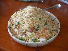 Arroz tres delicias especial. ¿Queres hacer arroz frito y que te quede como el de los restaurantes chinos? Aprende como hacer arroz chino paso a paso, ideal para principiantes. http://www.mis-recetas.org/recetas/search?text=arroz+tres+delicias