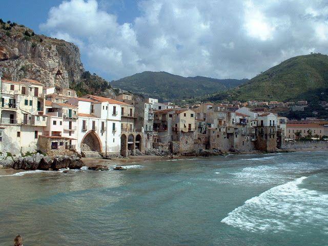 Cefalu, Sicily, Italy http://trekdigest.blogspot.ca/2009/10/chefalu-sicily-italy.html