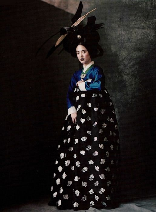 Song Hye Gyo photographed by Paolo Roversi - Vogue Korea: June 2007 - Hwangjini in Paris