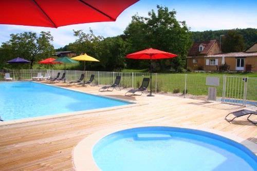 16m x 6m heated pool with toddlers splash pool