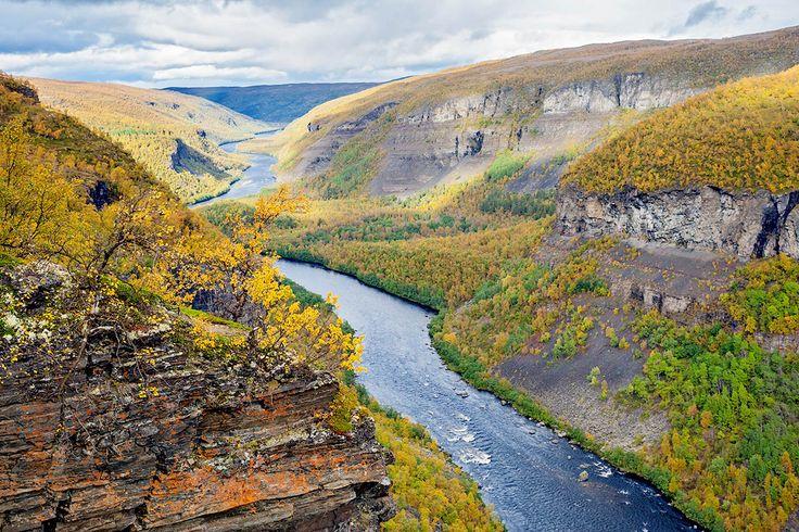 Norja on luonnonihmeiden maa, jonka vuonoissa vuoret ja meri kohtaavat kauniimmin kuin missään muualla. Norjan matkailu vie upeiden maisemien äärelle.