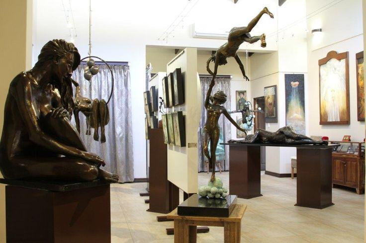 Exhibition of Marke Meyer and Joy Heyneke at The Leonardo Gallery open for the public till 16 May 2015