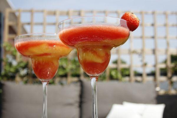 Mango Strawberry Daiquiri cocktail recipe on Cocktailicious.nl