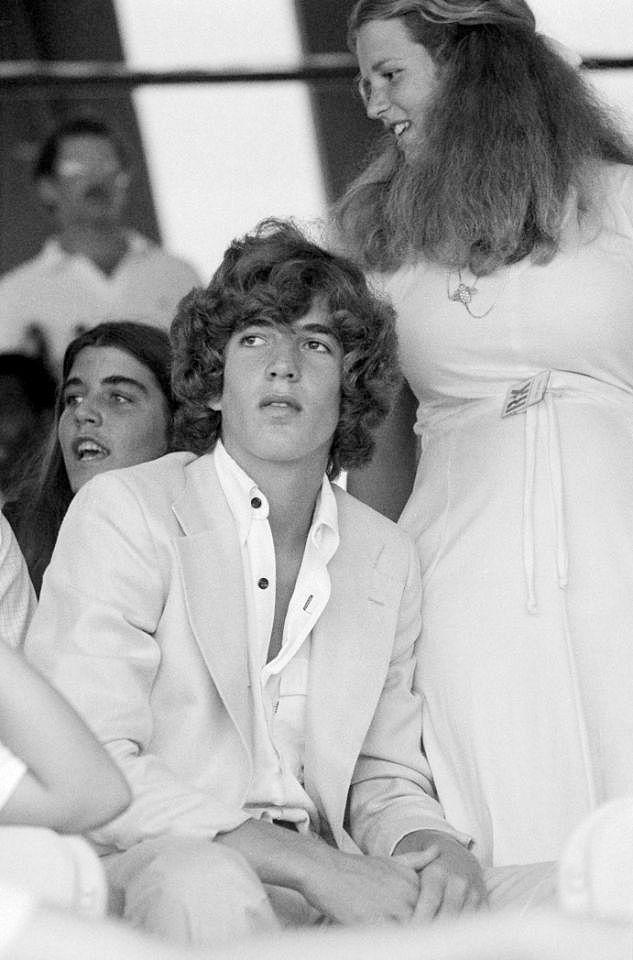 209 Best Kennedys John Kennedy Jr Images On Pinterest