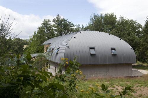 Allegre Private house in Saint Poncy (France) by ALLEGRE et ESCHALIER, Contractor : Ramadier Bernard   #VMZINC #Concrete #Zinc #Project #Architecture #QuartzZinc #StandingSEam #France #Roofing #Façade