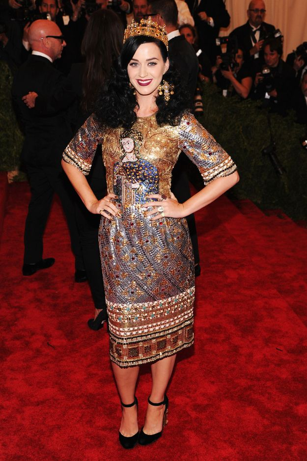 Then the Queen of Pop come Spring!   32 Pictures Of Katy Perry's Style Evolution