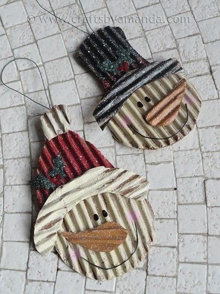 Snowmen ornaments from corrugated cardboard... such a simple idea!!! Could easily be adapted for fabrics, applique, felting, patchwork, embroidery and even smocking!!!