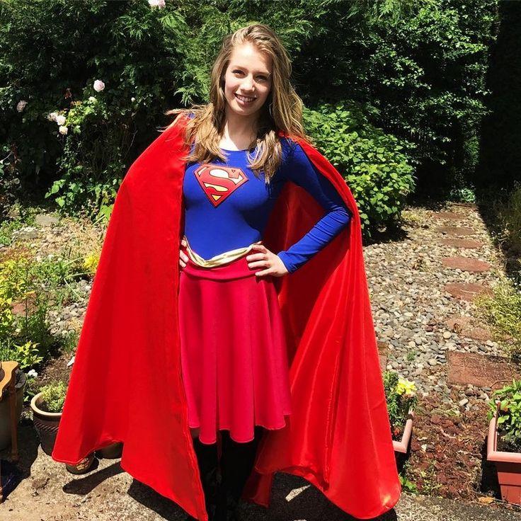 die besten 25 supergirl kost m ideen auf pinterest. Black Bedroom Furniture Sets. Home Design Ideas