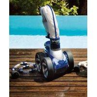 Robot avec surpresseur  Avec Distripool, trouvez votre robot piscine Zodiac, Dolphin ... Achetez votre Aspirateur / Nettoyeur piscine en ligne.  #bache piscine, #pompeàchaleurpiscine, #linerpiscine, #piscineenkit