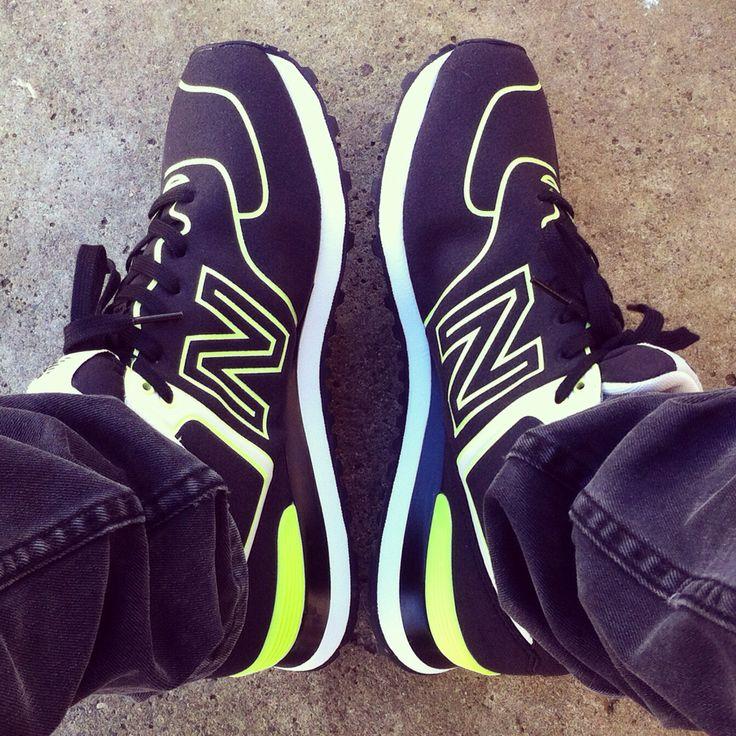 8' New Balance 574 Neon Light / ✨ #newbalance #574 #neonlight #sneakers #sneakerfreaker #vivoenunazapatilla