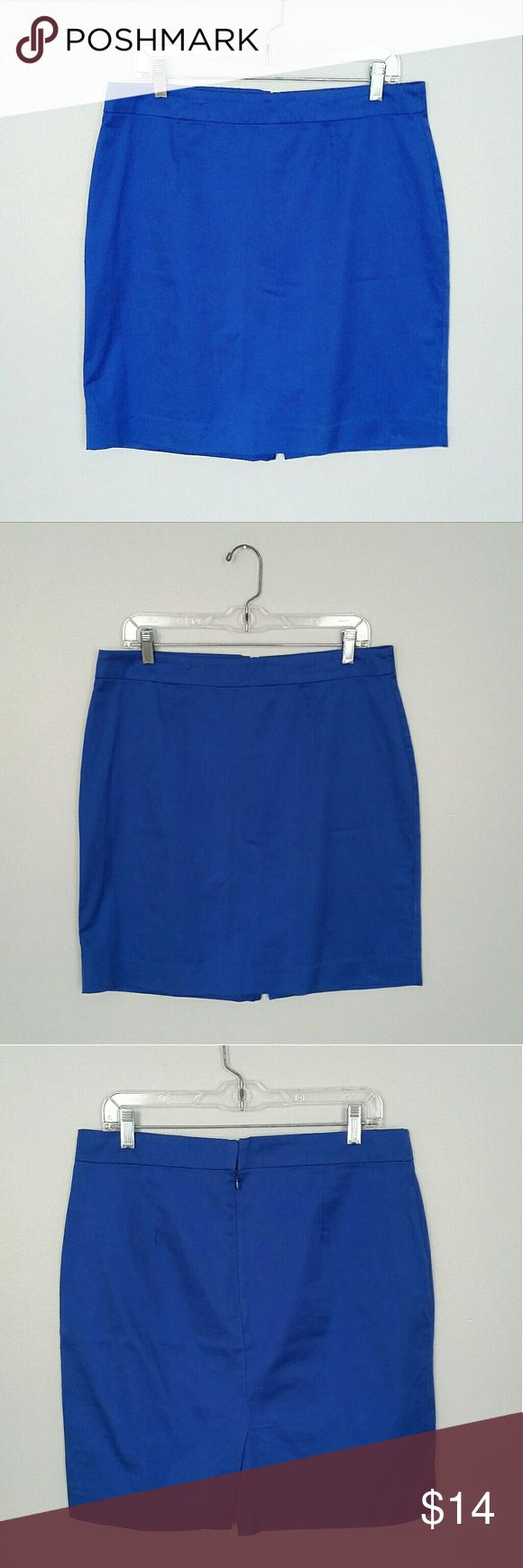 "NWOT Gap royal blue Office Skirt NWOT no flaws, royal blue Office skirt. 97% cotton, 3% spandex, rich blue colored material. Back has zipper and clasp closure. Skirt has 5"" back slit. Width at waist 17"",  width below waist 18"", skirt length 20 inches, width at hem 21 inches. GAP Skirts Midi"