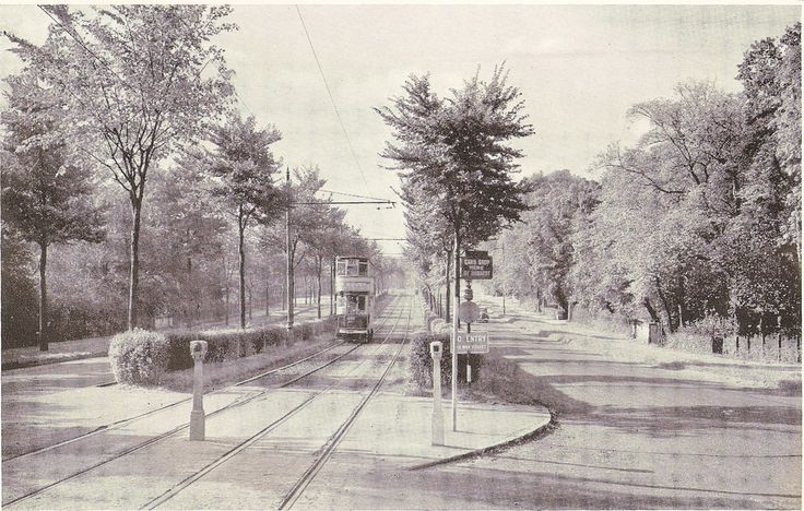 Bristol Road, Birmingham, UK - dual carriageway with tram reservation, c1946 | Flickr - Photo Sharing!