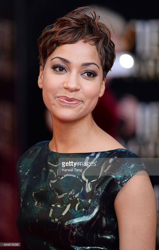 cush-jumbo-attends-the-laurence-olivier-awards-held-at-the-royal-on-picture-id484678039 (651×1024)