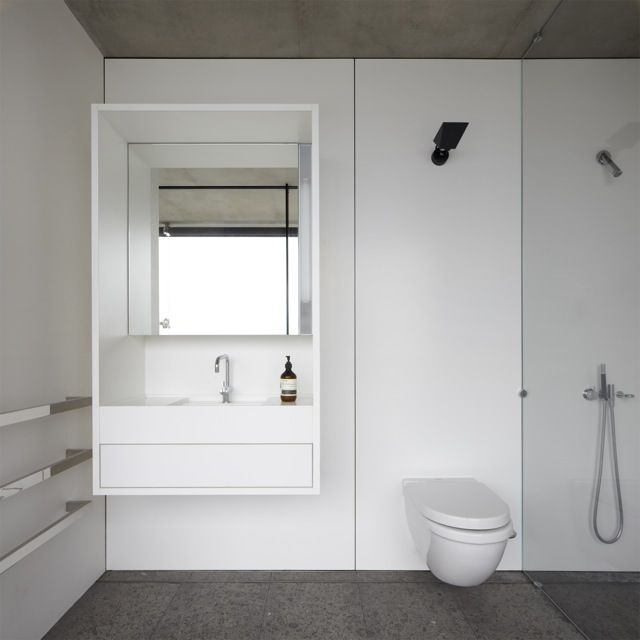 Tobias Partners - Whale Beach Bathroom