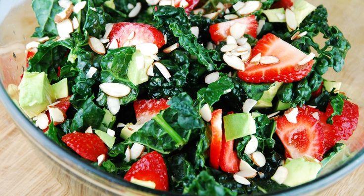 A Salada Primavera de Morangos é deliciosa, com o gostinho de frescor do morango, mel, cogumelos e amêndoas torradas que dão um toque a mais de sabor! Ingredientes para a …