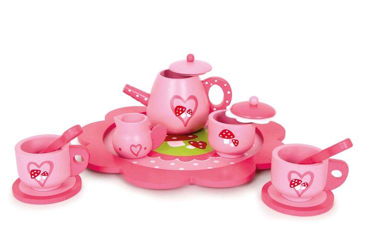 """Een droom voor elk poppen moedertje! Dit service gemaakt van gelakt hout met schattige vliegenzwam motief op het dienblad (24 x 24 x 1 cm) en met 11-delig toebehoren. Pot, suiker en melk kannetje en 2 kopjes met tellers en lepels. Heel goed bijpassend bij onze """"Leonie""""-serie en artikelen van """"Beauty Princess"""""""
