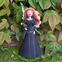 Just download this template and you will have your own Merida 3D papercraft to use as a decoration for your outdoor movie party - A unique outdoor movie night theming idea from Southern Outdoor Cinema
