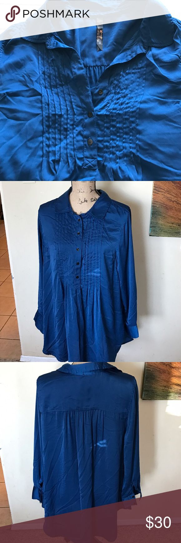 Melissa McCarthy blouse Great blouse Melissa McCarthy Seven. Loose fitting great with skinny jeans or leggings. Never wore no tags Melissa McCarthy Tops Blouses