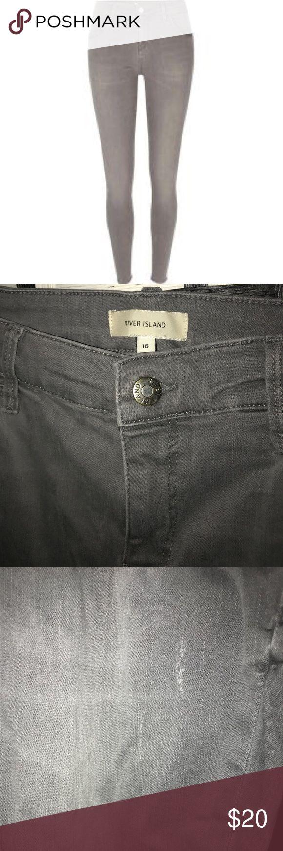 River island grey super skinny jeans Gently used river island Amelie light grey super skinny jeans. Slightly tattered style. UK size 16. SHORT length (30 inches) River Island Jeans Skinny