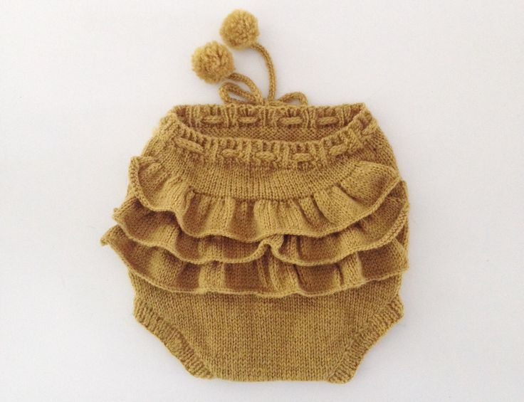 knitted bloomers with ruffles