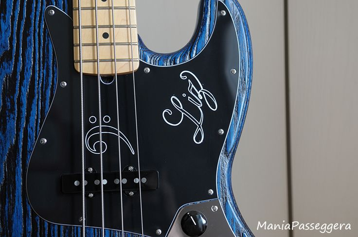 Fender Jazz Bass - 2015 Sandblasted Sapphire blue limited edition (Custom pickguard handmade by Battipenna.it)