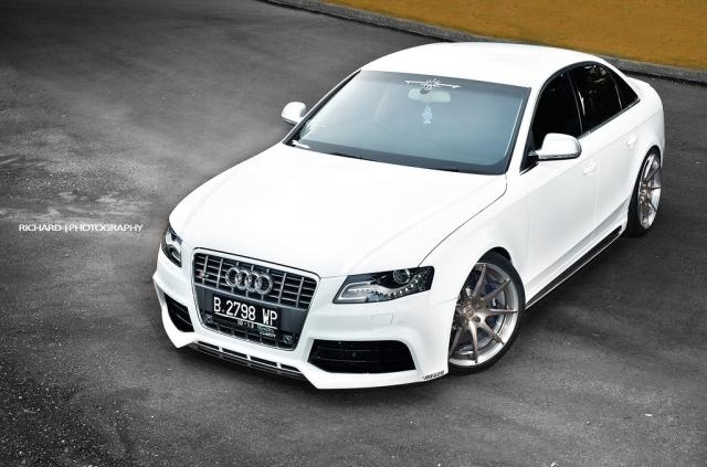 Audi S4 black or gray for me please, thanks!