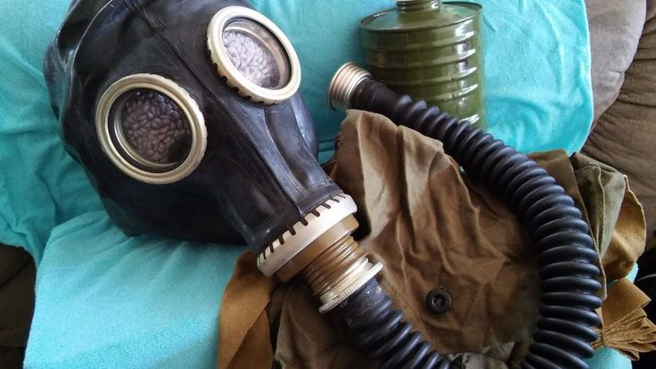 Russian Army Surplus Gas Mask with Hose and Roomy Storage Carry Bag.SurvivalGear