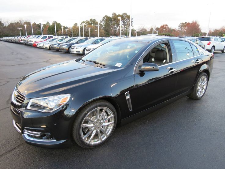2014 Chevrolet SS (Holden VF Commodore) Start Up, Exhaust, and In Depth ...not an import,but sweet as honey.