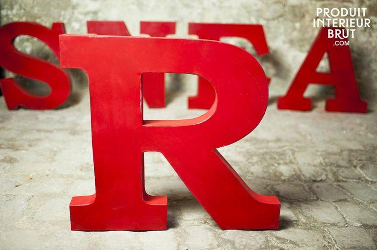 Lettera R decorativa. Per donare un tocco di colore ai vostri arredamenti in stile industriale.