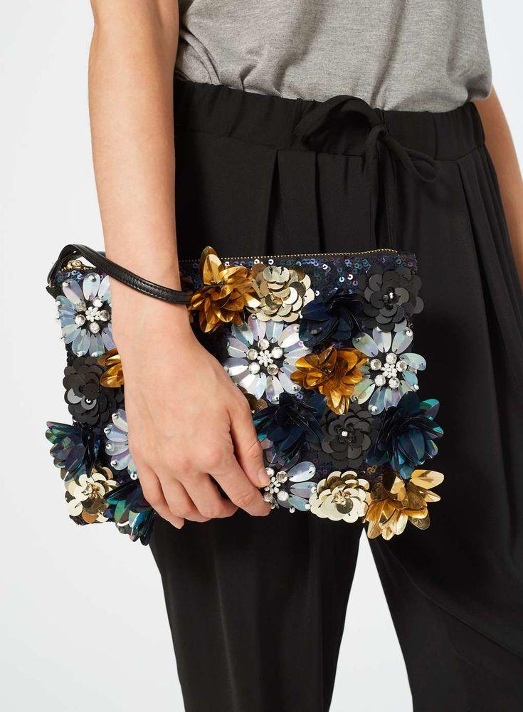 Marineblaue Clutch mit 3D-Blumen - Taschen & Geldbörsen - Accessoires - Miss Selfridge Germany