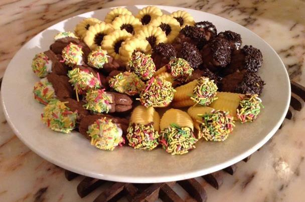 بوابة الأهرام نصف الدنيا حلويات العيد طريقة عمل البيتي فور السريع Food Recipies Food Special Recipes