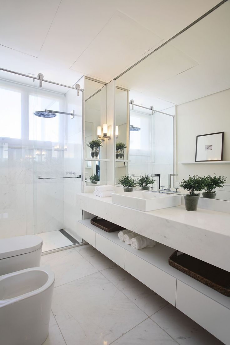Open bathroom designs - The Endless Charm Of The White Bathroom A Look That Continues To Prove A Winner Add Plants To Give Things A Slight Botanical Edge