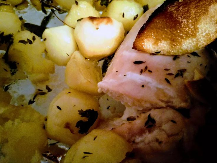 That's the first of the Portuguese recipes I've prepared - a simple baked chicken breast with herbs and potatoes. I have to say that it worked quite good. You can read more about Portuguese cuisine on my blog: https://adziklipa.me