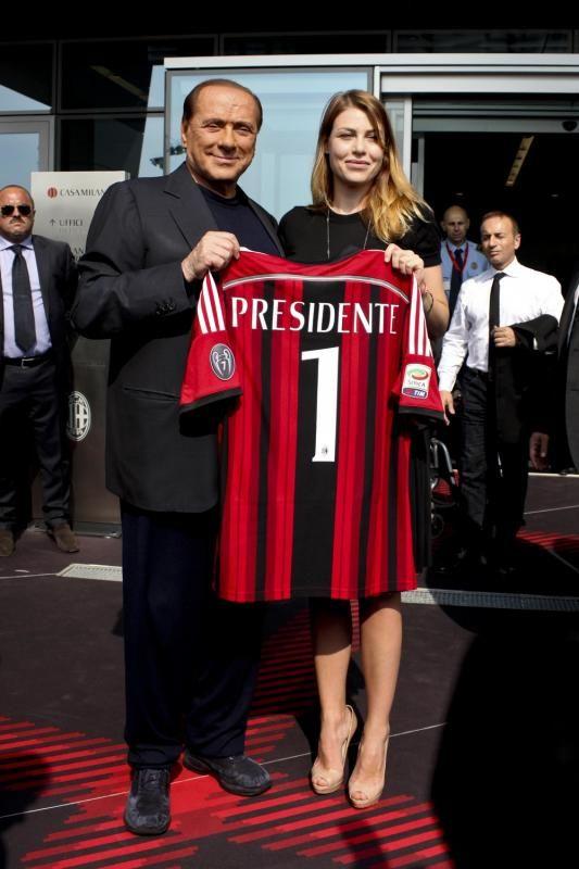 "AC Milan Spot: Barbara Berusconi: ""I hope my Galliani and my father will bring back AC Milan where it belongs"""