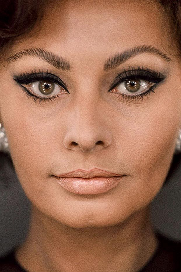 Sophia Loren...made the  Cat eye her own. Nobody does it quite like Sophia. Love this.                                                                                                                                                      More