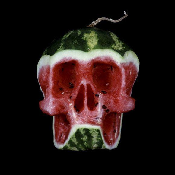 Fruit-Skulls-by-Dimitri-TsykalovSculpture, Watermelon Skull, Dimitri Tsykalov, Carvings, Watermelon Carving, Dimitritsykalov, Fruit Skull, Food Art, Halloween