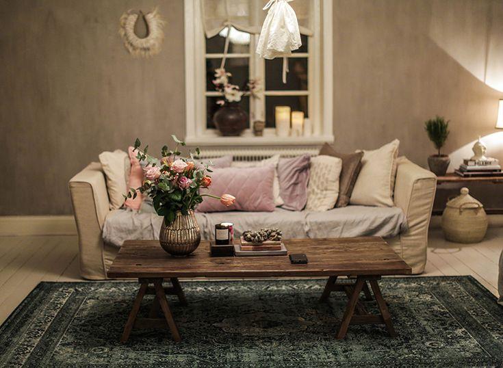 Att ha hem i kvällsljus. – Att vara någons fru