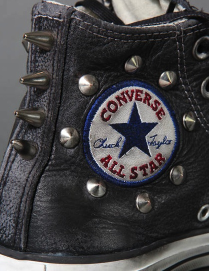 CONVERSE LIMITED EDITION IN LEATHER WITH STUDS