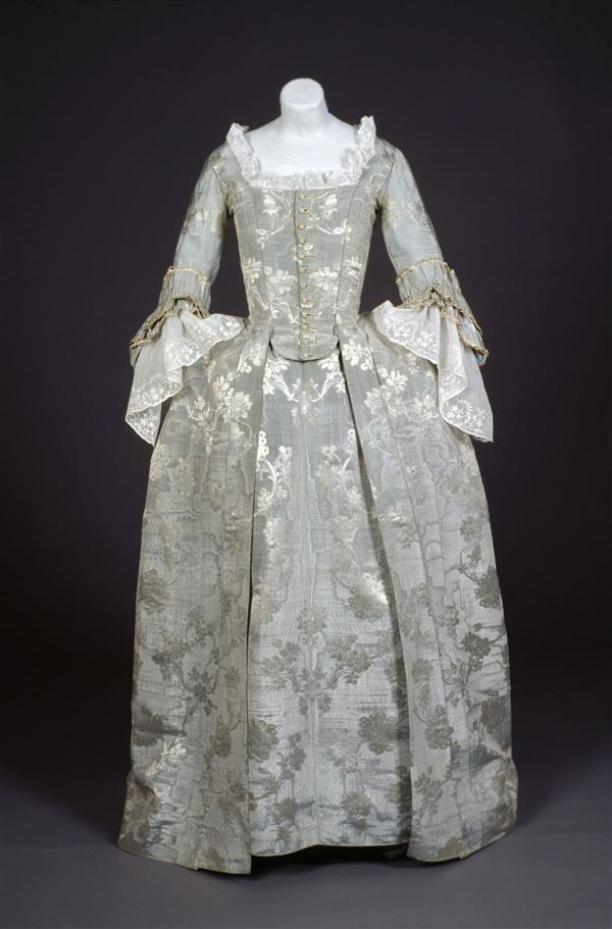 robes ajustées robes à l'anglaise robes retroussées japonnen vrouwenkleding | Modemuze