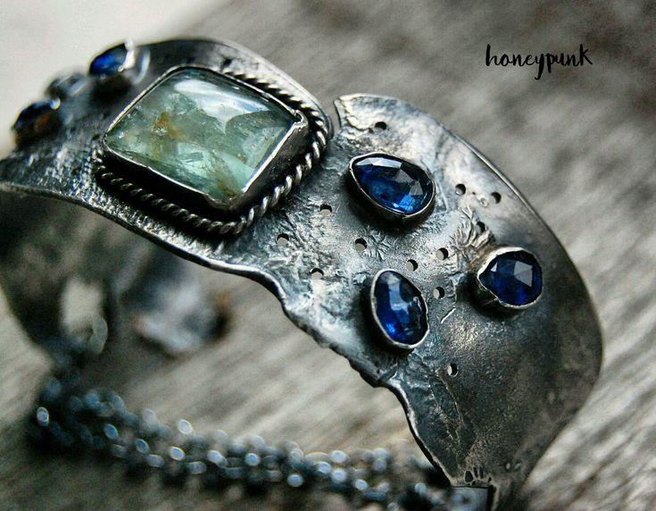 Купить Браслет из серебра с бериллом и кианитами - браслет с камнями, широкий браслет, аквамарин, берилл, серебро
