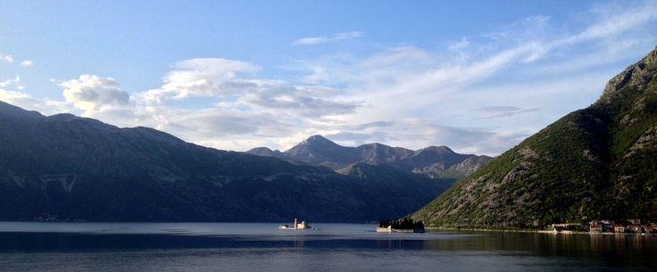 La baie de Kotor/Bouches de Kotor  - Monténégro, voyage dans les balkans Bay of Kotor - Montenegro, Balkans' trip  Where the sea meet the moutains and the mountains meet the sky!