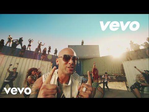 "Que Viva La Vida Published on Oct 22, 2013 Music video by Wisin performing Que Viva La Vida. (C) 2013 Sony Music Entertainment US Latin LLC Buy Wisin's ""Que ..."