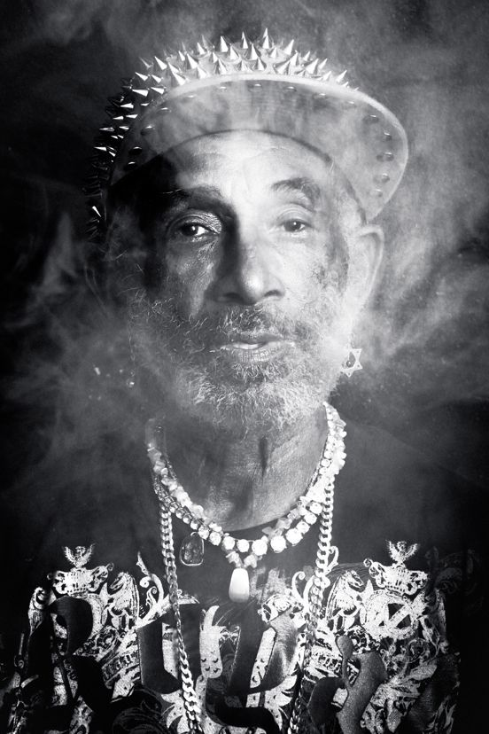 *Lee 'Scratch' Perry* More fantastic pictures and videos of *Bob Marley & Lee 'Scratch' Perry* on: https://de.pinterest.com/ReggaeHeart/