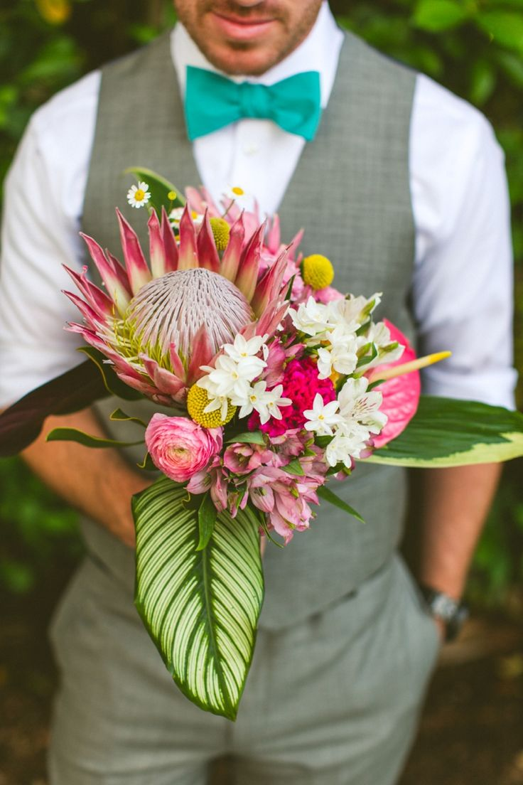 Love This Amazing Unique Bouquet Find Pin And More On Tropical Wedding