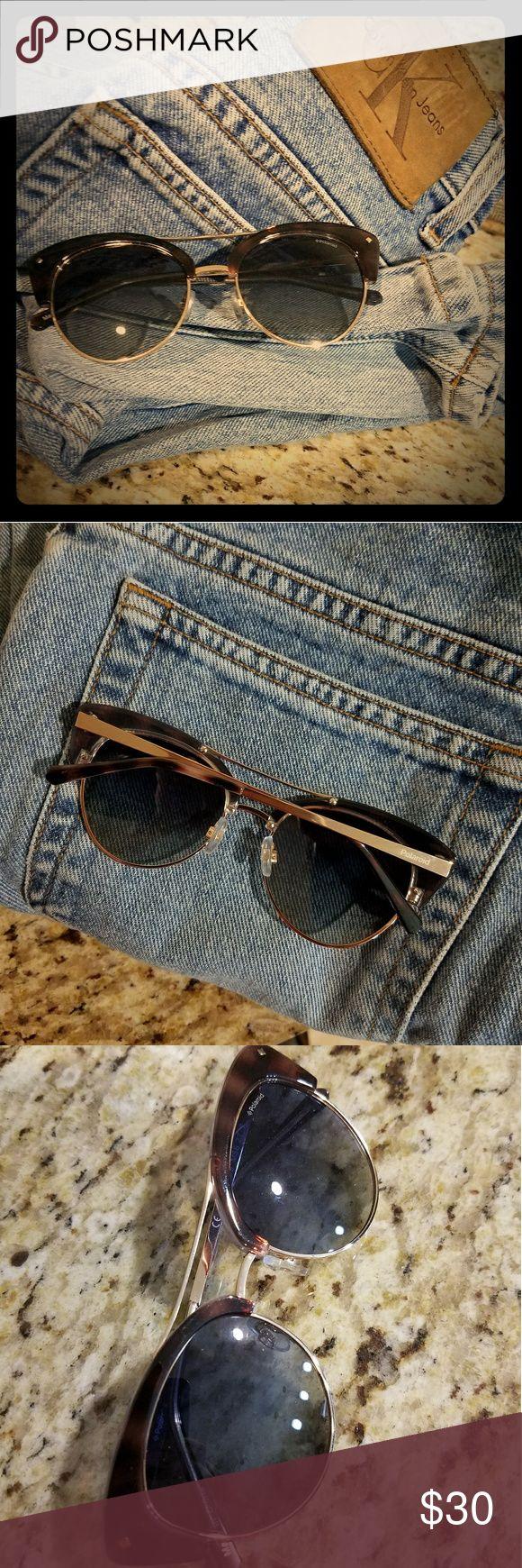 Polaroid Sunglasses gold frame blue lens Hard to find Polaroid sunglasses! No major scratches or problems! polaroid Accessories Glasses