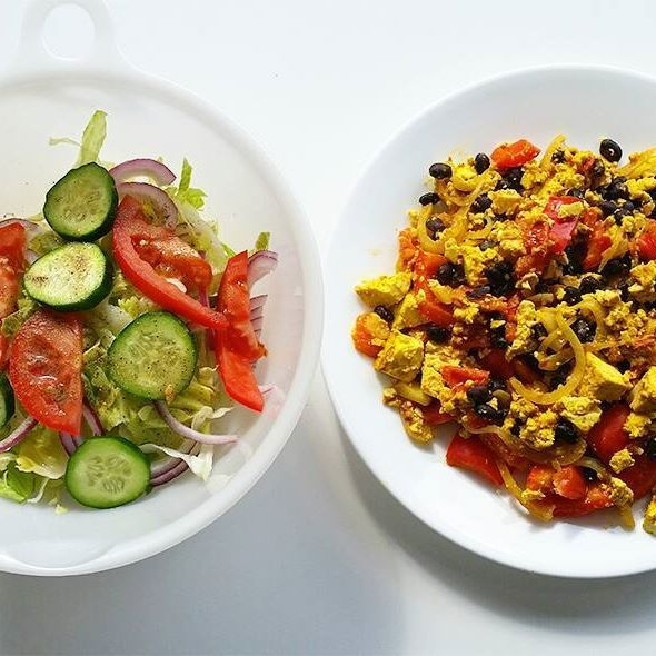 This is what I've been eating for dinner for the last week or so. When I make a new recipe and like it, I eat the same thing every day until I get sick of it and discover something new. This one's easy to make, quick, and extremely filling. Tofu scramble with black beans and garden salad on the side. #ketobabe #ketobaberocks #vegan #veganbabe #veganbaberocks #tofu #protein #veganbodybuilding #veganbodybuilder #vegansofig #veganrecipes #veganfood #veganfoodshare